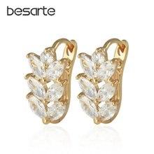 Женские золотые серьги кольца в форме листа с кристаллами манжеты