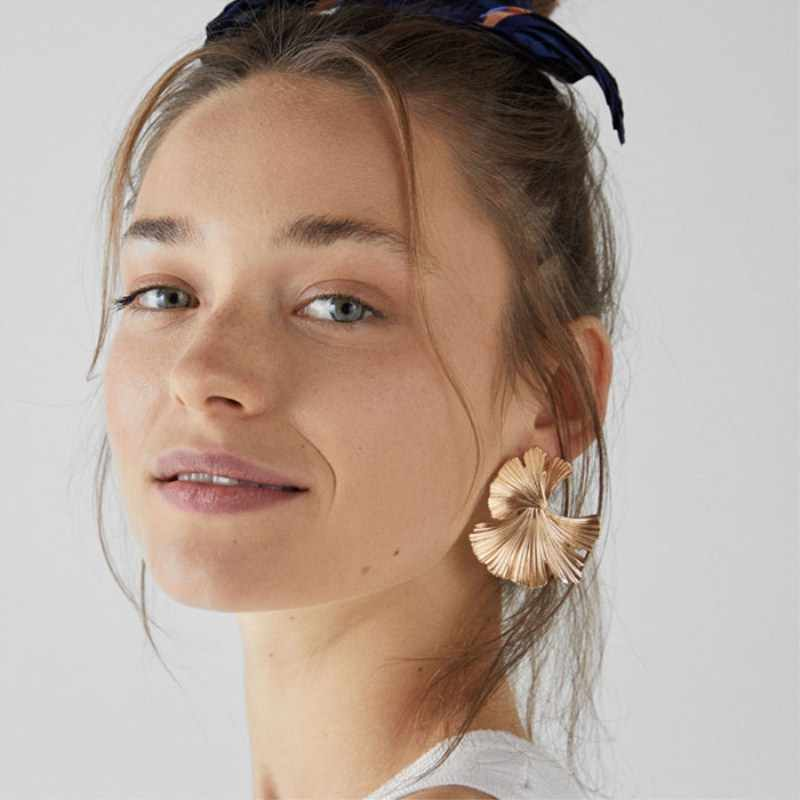 ZA New Brand Leaf Plant Drop Earrings Metal Gold Statement Earrings for Women Simple Irregular Flower Party Fashion Jewelry