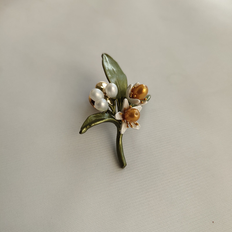 Free shipping copper orange flower natural pearls luxury flower brooch Collar button