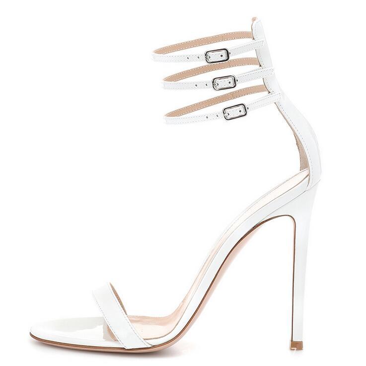 Grande vente noir blanc cuir verni bride à la cheville boucle femmes sandales découpées Peep Toe gladiateur sandales chaussures femmes grande taille 10