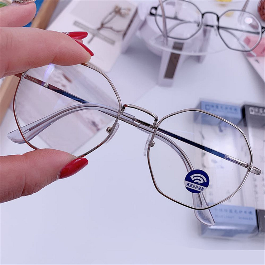 UVLAIK Vintage Anti Blue Light Glasses Frame Round Lens Myopia Optical Mirror Simple Metal Women Men Transparent Eyewear Frames