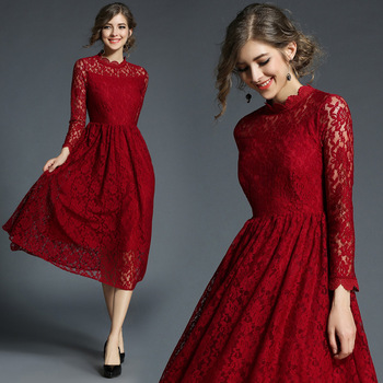 90d3d5b63ec3 Borgoña de dama de honor vestidos de una línea elegante manga larga cuello  alto de encaje de las mujeres Vestido para fiesta de boda té longitud ...