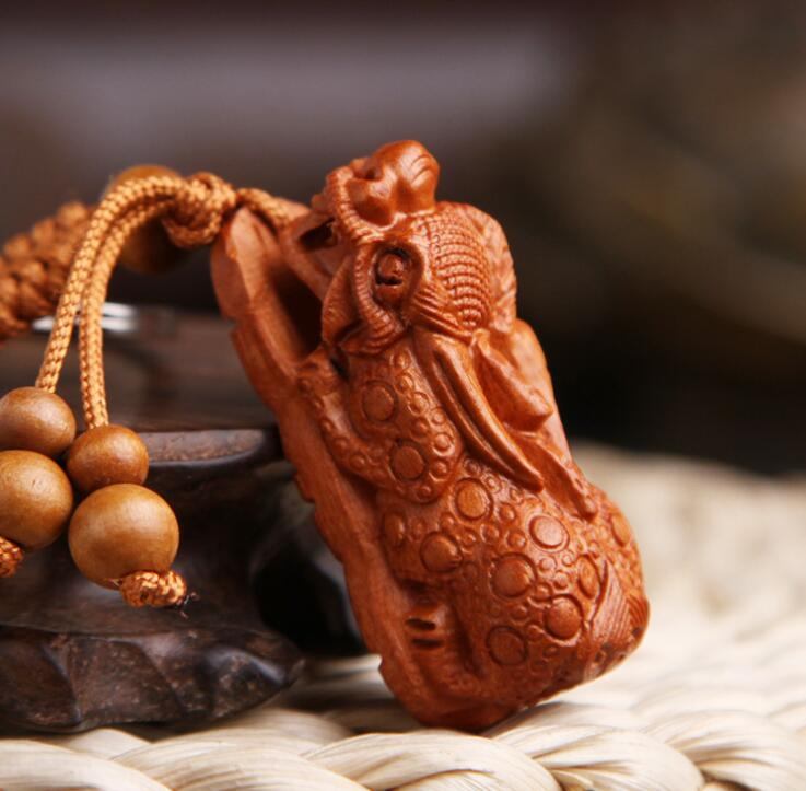 Chinese Peach Wood Carved Mythical Animals Pixiu Brave Troops Bring Safe And Good Luck Exquisite Car Key Chain Pendant