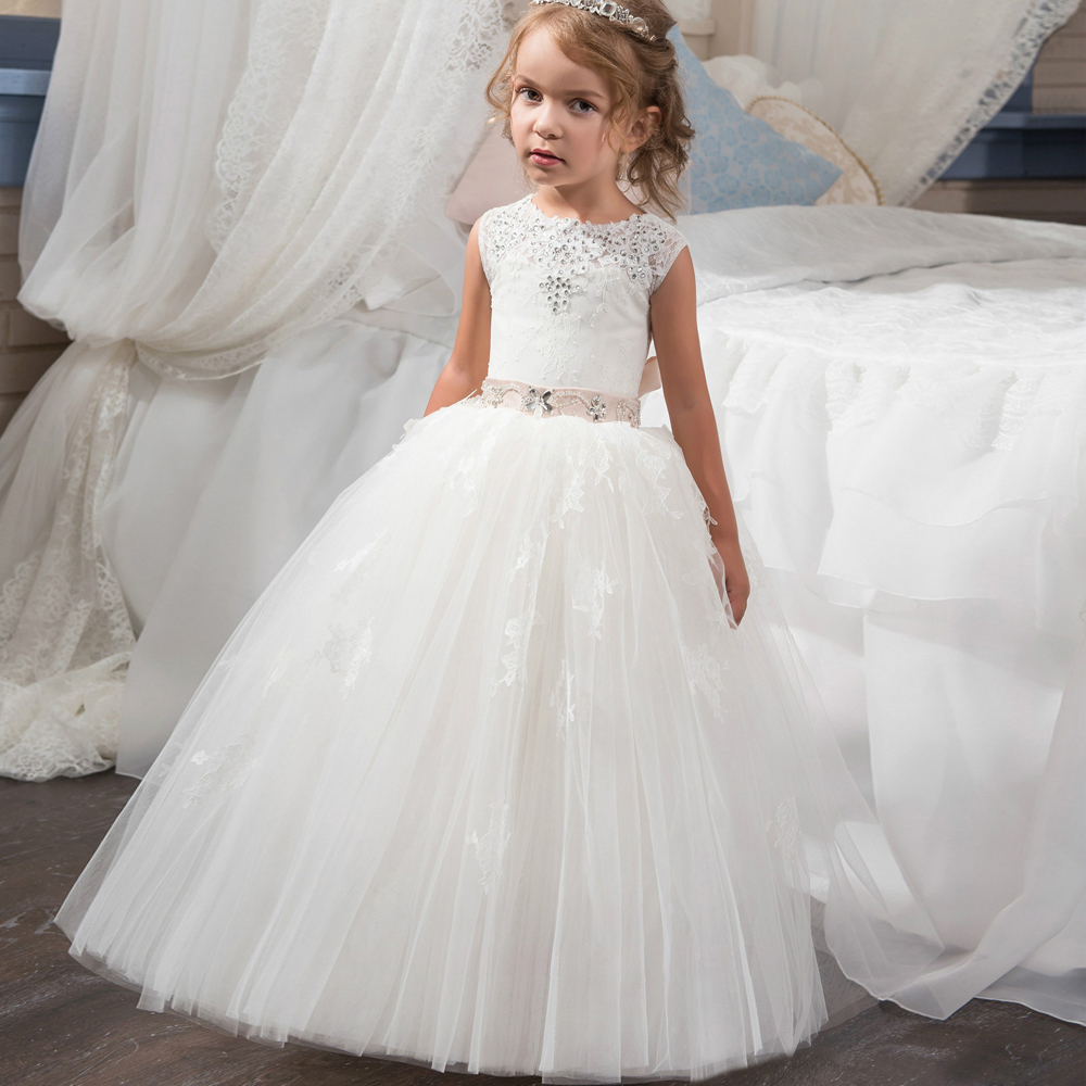 2019 New Arrival   Flower     Girl     Dresses   White and Ivory O-neck Beading Ball Gown Sleeveless Lace Up First Communion Gown Custom Hot