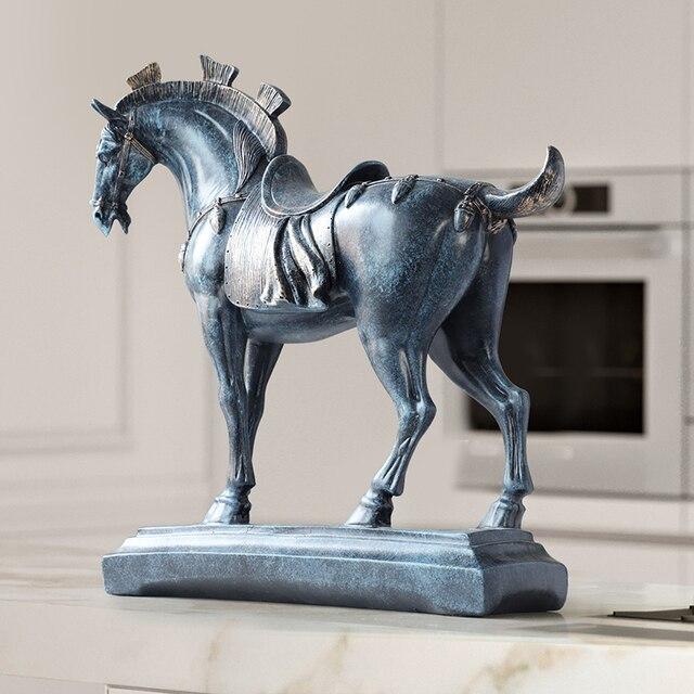 Harz pferd statuen home dekorationen zubehör figuren für büro hotel wohnzimmer kreative eingerichtet statue pferd geschenke