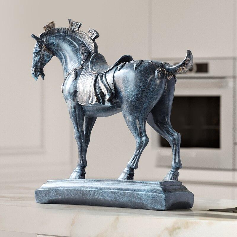 Résine cheval statues décorations pour la maison accessoires figurines pour bureau hôtel salon mobilier créatif statue cheval cadeaux