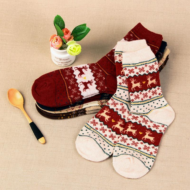 1 Pair Winter Women   Socks   Warm Wool Christmas Mid-calf   Socks   Woolen Snowflake Deer Comfortable Gift Girls Cute Meias