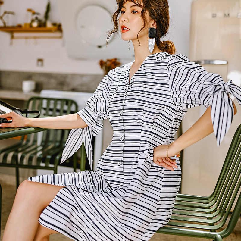 LANMREM 2019 летние поперечные полосы V шнуровка на груди короткий рукав однобортные платья Женский темперамент YH349