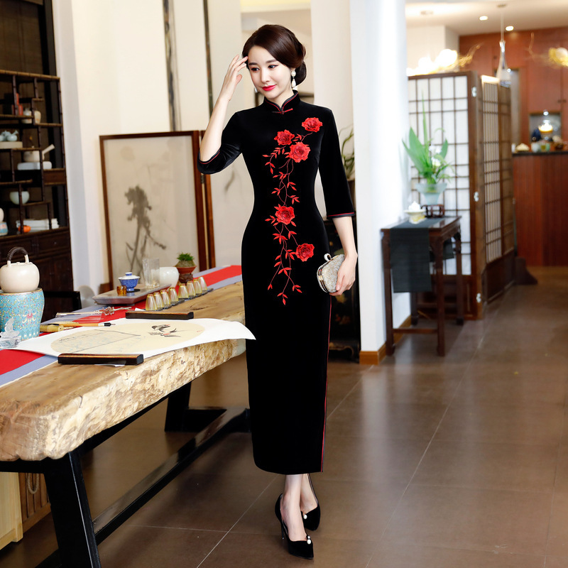 Black Fashion Mom Winter Embroidery Cheongsam Long Velvet Qipao Wedding Dress Women Chinese Style Evening Dresses Cheongsams