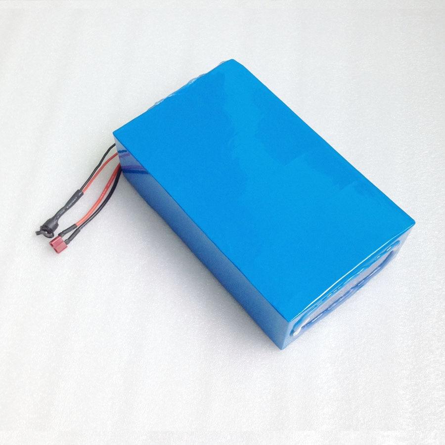 Aucun Impôt 10 pcs 60 v 20Ah Au Lithium ion eBike Batterie Pack 3000 w Électrique Scooter Batterie avec 50A BMS 67.2 v 5A Chargeur
