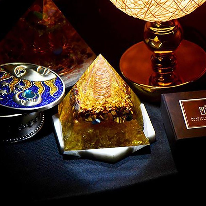 AURA REIKI Orgonite Pyramid Reiki Healing Stone MineralCrystal Magnetic Field Energy Converter Resin Decorative Craft Jewelry