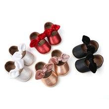 На возраст от 0 до 18 месяцев, для маленьких девочек обувь, искусственная кожа, для новорожденных мальчиков и девочек Мокасины Moccs туфли на плоской подошве с бантом и бахромой на мягкой подошве нескользящей обуви обувь для кроватки