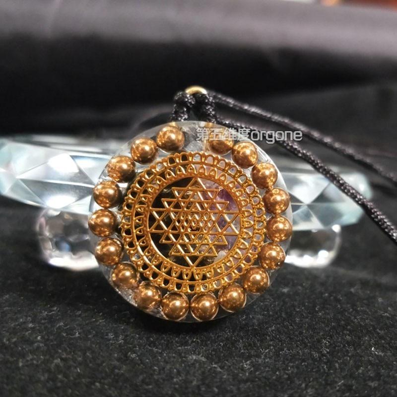 Orgone cristal énergie Positive guérison Orgonite collier hommes et femmes Chakra collier symbolisant carrière richesse pierre pendentif