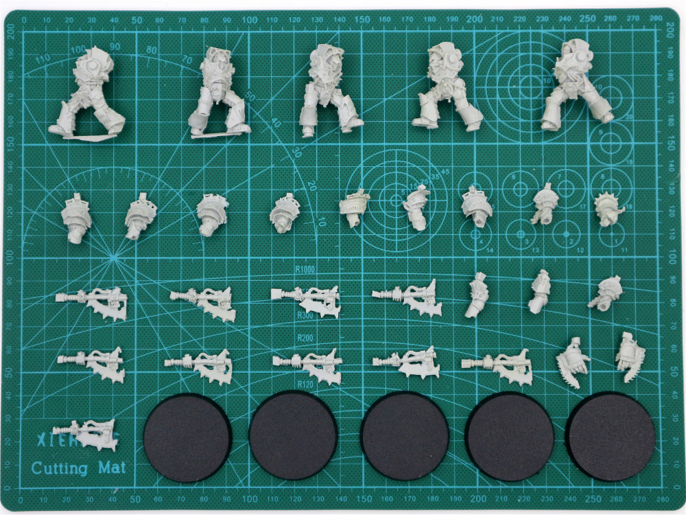 Image 2 - World Eaters Red Butchers Squad-in Model Building Kits from Toys & Hobbies