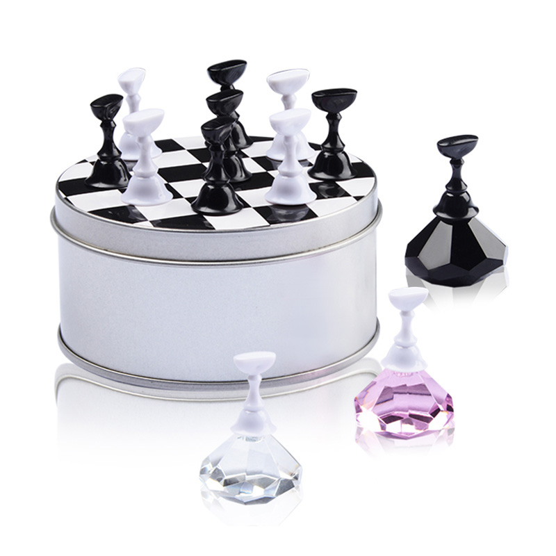 1 Set Nail Art Tips Practice Stand Magnetic Crystal Holder Chess Board Design for Nail Art Equipment 200 in 1 crystal armor phototherapy nail art paper holder golden black
