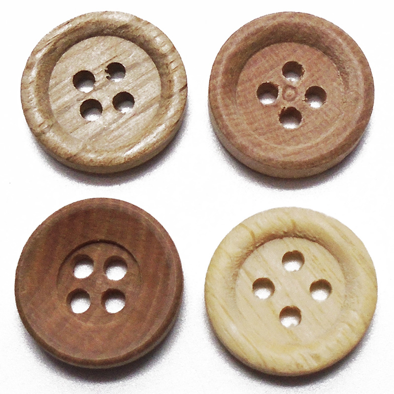 Pack of 4 x 30mm flat wooden buttons with poppy decoration4 holes
