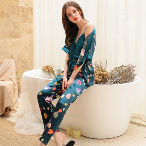 Image 3 - 2019 Phụ Nữ Đồ Ngủ Bộ Với Quần 3 Mảnh Lụa Mỏng Quần Áo Ngủ Pijama Nhà Quần Áo Satin Thời Trang Hoa In Pijama Ngủ
