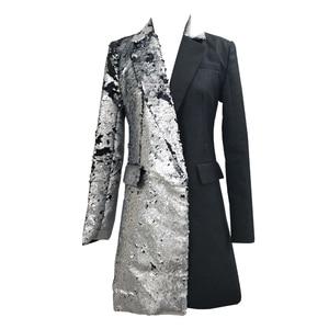 Image 2 - LANMREM 2020 nueva moda Primavera ropa de mujer cuello vuelto mangas completas contraste de colores lentejuelas chaqueta femenina JI99