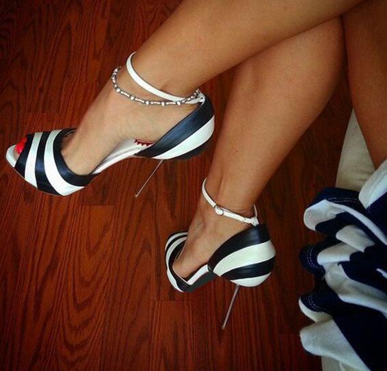 Moraima Snc noir et blanc talons aiguilles chaussures habillées bride à la cheville pompes Peep orteil chaussures à talons hauts femme