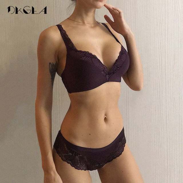 New Fashion Lingerie Thin Cotton Bra Panties Set Lace Brassiere Wire Free Bra Set Deep V Sexy Underwear Set Women Embroider Bras 1