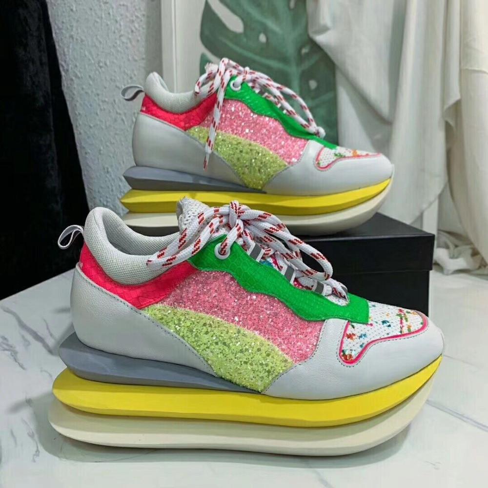 Automne nouveau Designer Sneakers femmes chaussures blanc bout rond plat hauteur augmentant décontracté femme chaussures baskets creuses à lacets