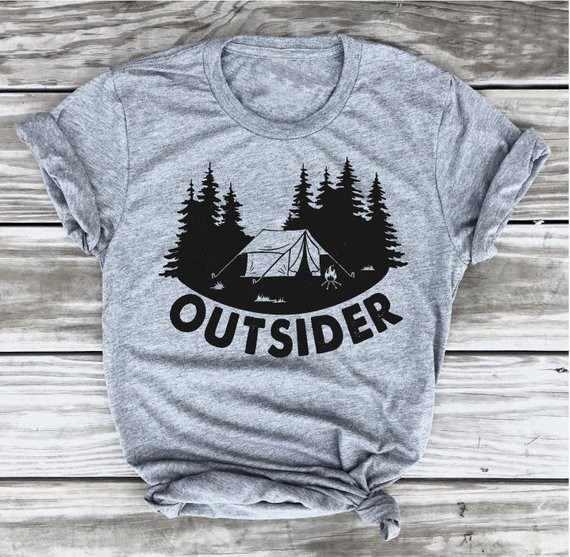 Estraneo Tshirt Campeggio Tee Camper Camicia Andare Outdoo Da Trekking Maglietta, avventura divertente grafica slogan albero camicie regalo goth art top