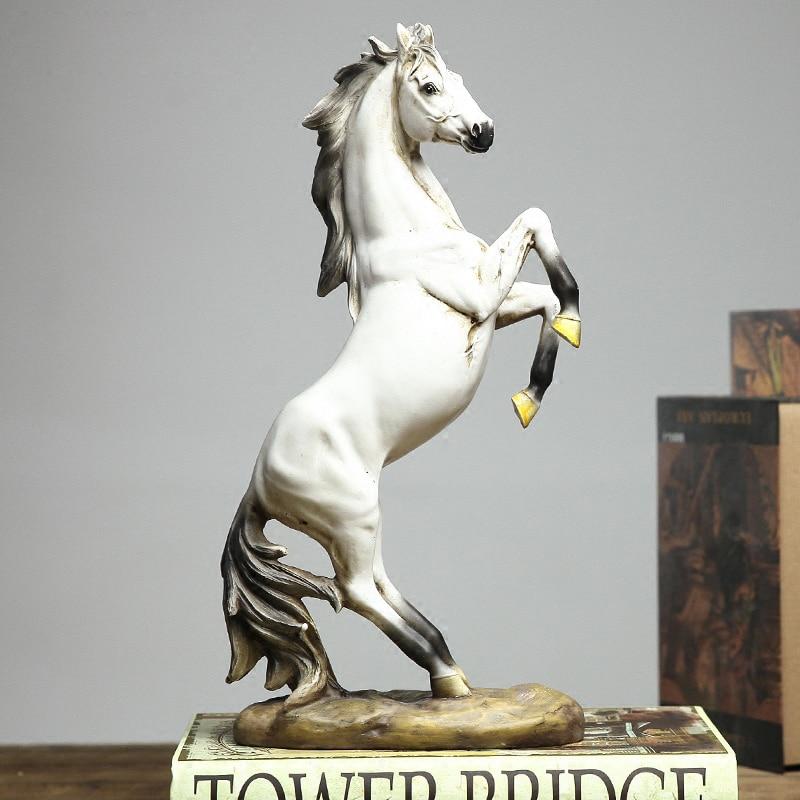 Style Nordique européenne Résine Cheval Figurines Sculptures salon armoire à vin Américain Creative Décoration Artisanat Cadeaux