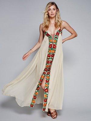 La nouvelle robe éblouissante couleur fleur broderie dominatrice Condole ceinture robe est en vacances