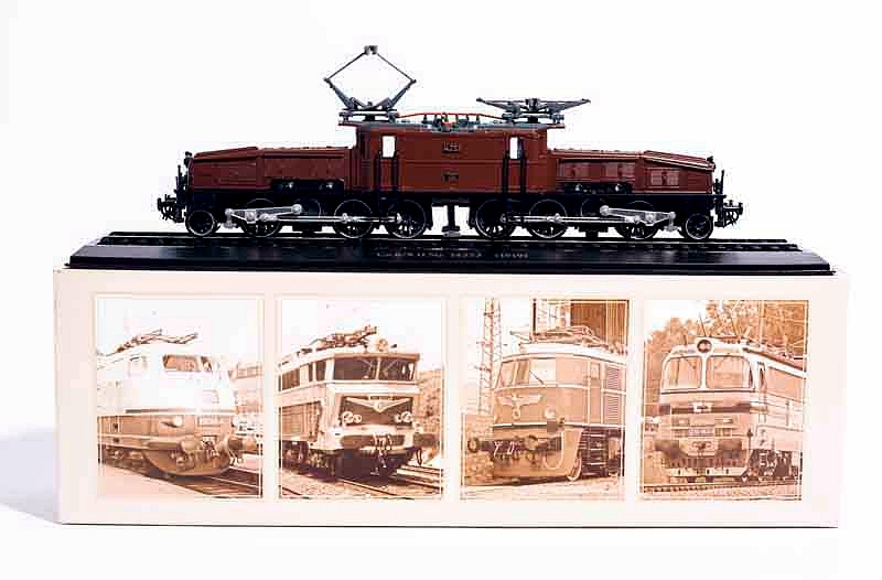 SBB Ce 6/8 Krokodillokomotive Train Model Diecast 1/87 Scale Model Static Simulated Tram Locomotive Finished Collecting Gifts(China)