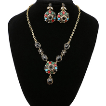 Ladies Fashion Jewelry Women &Girls Vintage Crystal Pendant Necklace Beautiful Stylish Gifts Hot New