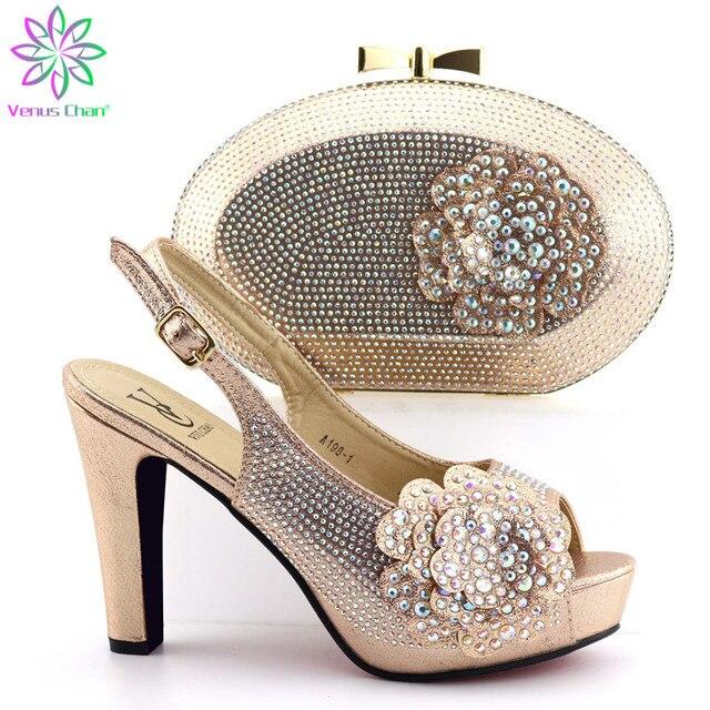 Mais novo Mulheres Design Sapatas Com Saco Conjunto Para O Casamento Africano 38 Bonita Bombas Sapatos Italianos E Sacos Definir a Cor de Ouro -42 E93-31