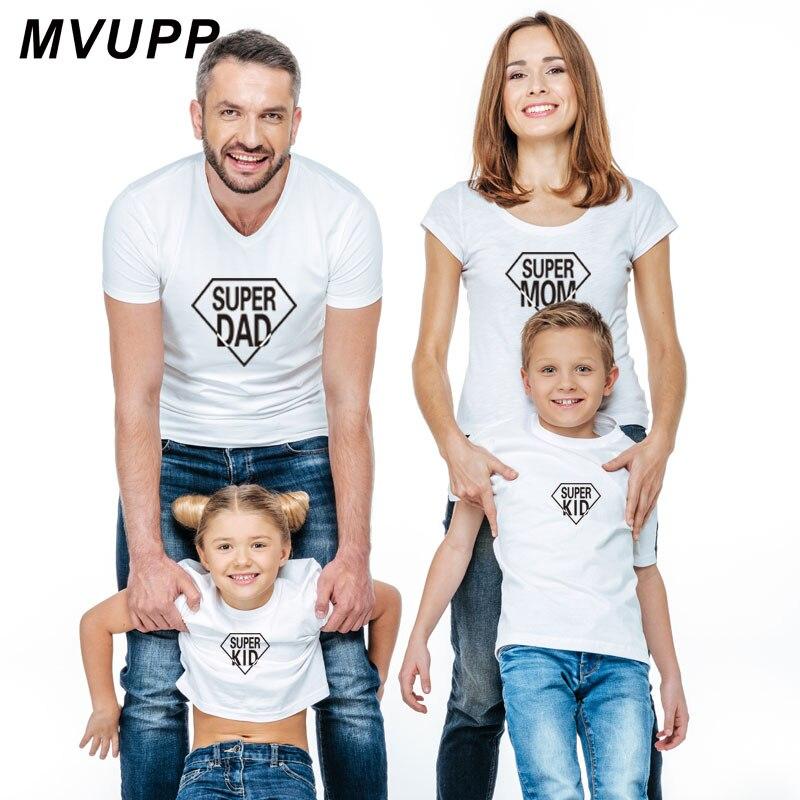 bb33b125c Super papá mamá niños imprimir camiseta madre hija ropa mamá y yo trajes a  juego mujeres Padre hijo bebé niña de moda