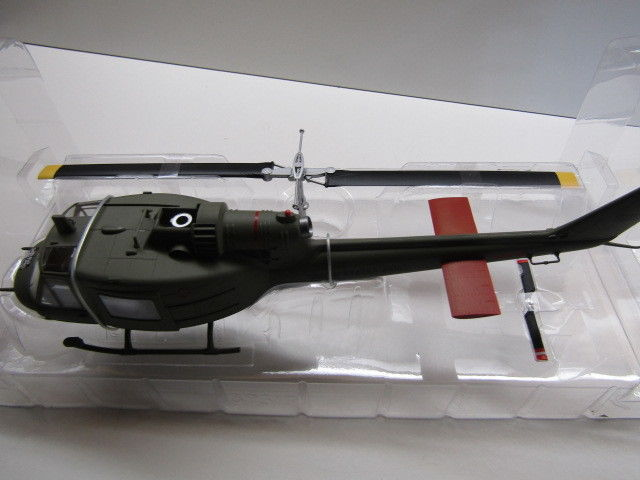 Easy Model 39319 1/48 Scale UH-1C U.S. Marines Huey Helicopter Finished Aircraft