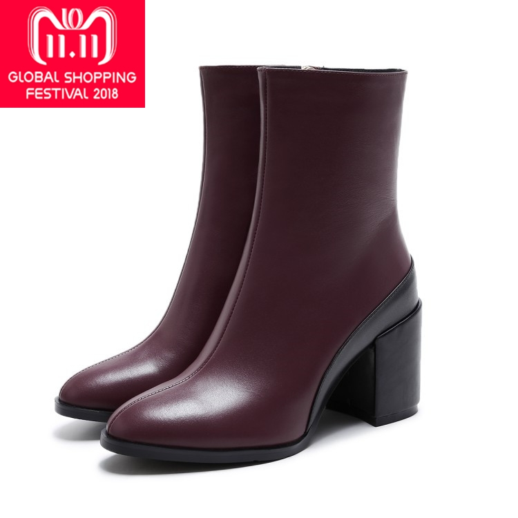 купить {Zorssar} 2018 NEW fashion women Riding boots Genuine leather Round Toe High heels womens ankle boots Autumn winter women shoes по цене 4489.63 рублей