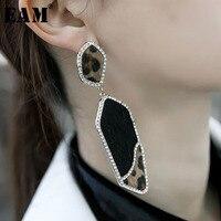 WKOUD EAM Jewelry / 2018 New Fashion Temperament Black Rhinestone Inlaid Leopard Irregular Earrings Women's Accessories S#R1161