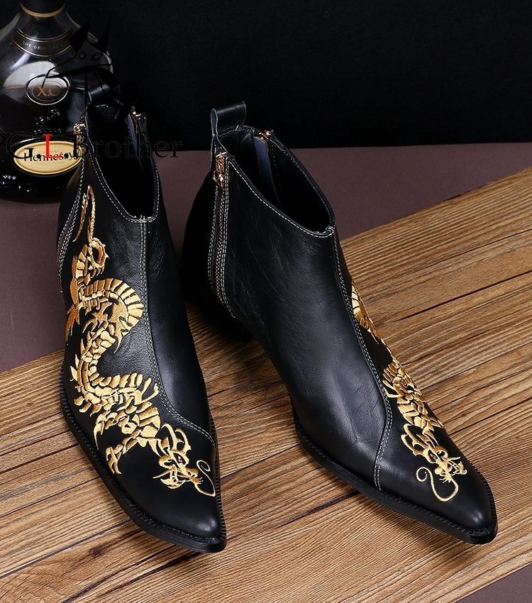 Italian Style Men's Cowhide Leather Ankle Boots Short Pointed Embroidery Leather Shoes Black Dragon Print Cool Boots Men цена