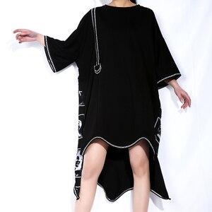Image 4 - [EAM] 2020 New Spring Summer Round Neck Short Sleeve Black Big Size Letter Printed Irregular Hem Dress Women Fashion Tide JQ326