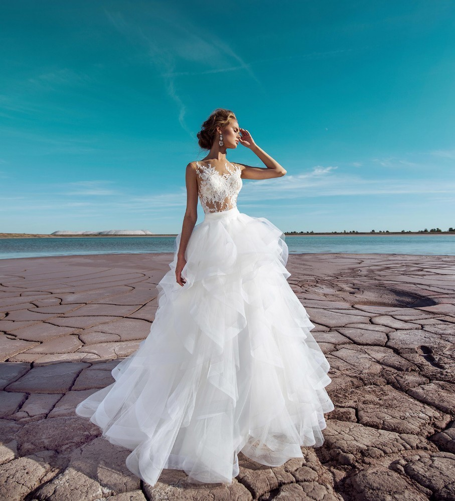 Vivian's Bridal 2019 Fashion Ruffles Ruched A-line Wedding Dress Sexy Illusion Mesh Button Lace Appliques Draped Bridal Dress
