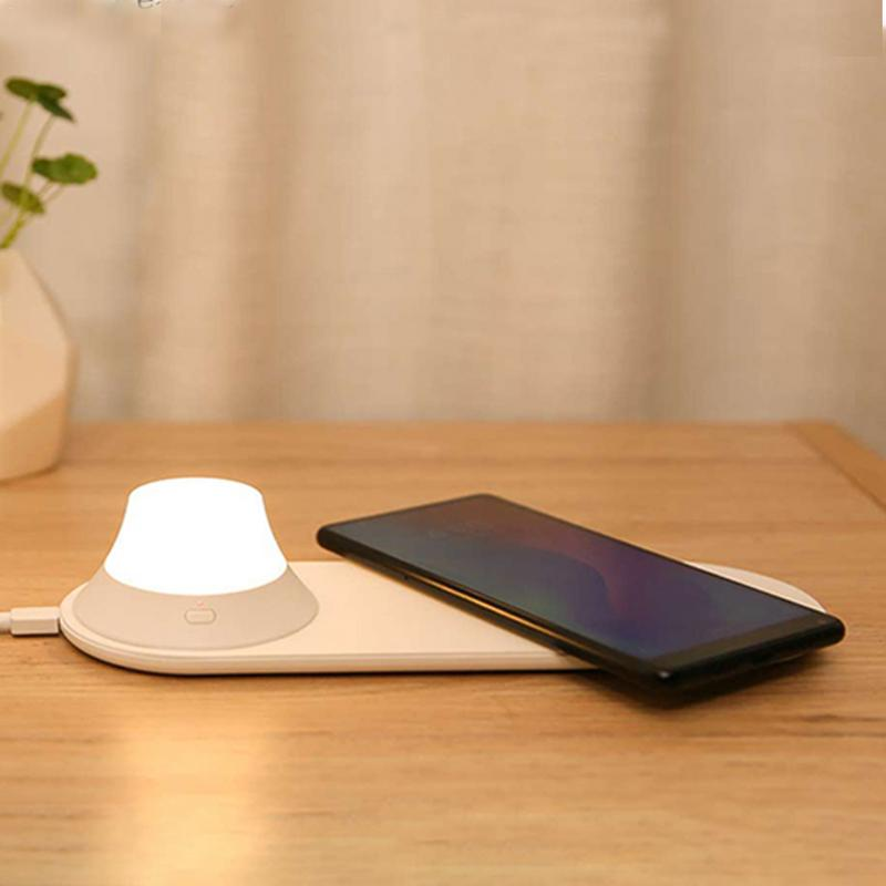 1PCS Wireless Charger with LED Night Light Magnetic Attraction Fast Charging For iPhones Samsung Huawei Xiaomi phones