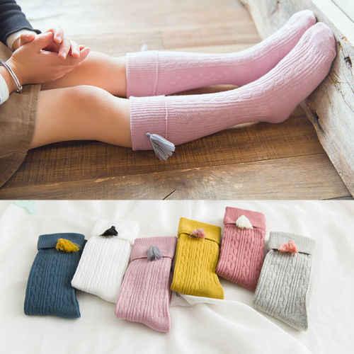 Nowa wiosna jesień dziecko dziewczyny bawełniane kolana wysokie skarpety stałe cukierki kolor dzieci maluch krótkie skarpetki dla dzieci z frędzlami 1-8Y