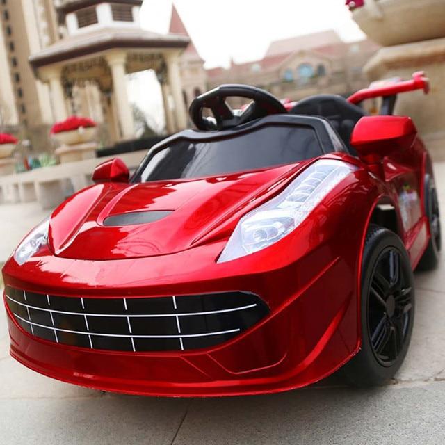 Los niños los niños paseo en el coche eléctrico grande bebé coche de juguete de coches eléctricos para niños en cuatro ruedas paseo en andador de bebé coche RC