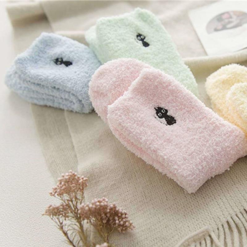 1 Pair Hot Sale Ladies Winter Thicken Keep Warm Embroidery Kawaii Cat Deer Lovely Sleep Sox Women Cotton Plush Cute Socks