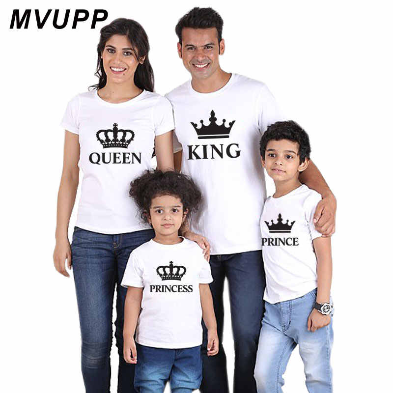 สำหรับครอบครัวชุดดูพ่อแม่ลูกสาว Crown TShirt เสื้อผ้า Daddy mommy และ Me ชุดเด็ก King Queen