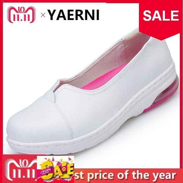 YAERNI Four Seasons Woman white Nurse shoes women Platform soft Comfortable Air cushion casual genuine leather Antiskid shoes free shipping 20 pcs lot mcp2515 i so mcp2515 sop new in stock ic