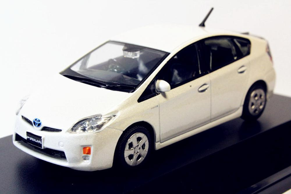 1//43 Toyota Prius pearl white Diecast model Toy Gift