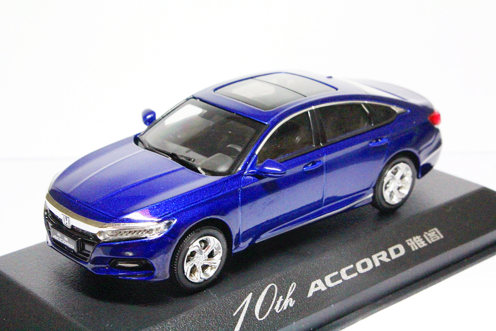1/43 Scale 10th Generation Honda All New Accord 2018 Blue Diecast model-in Diecasts & Toy Vehicles from Toys & Hobbies    1