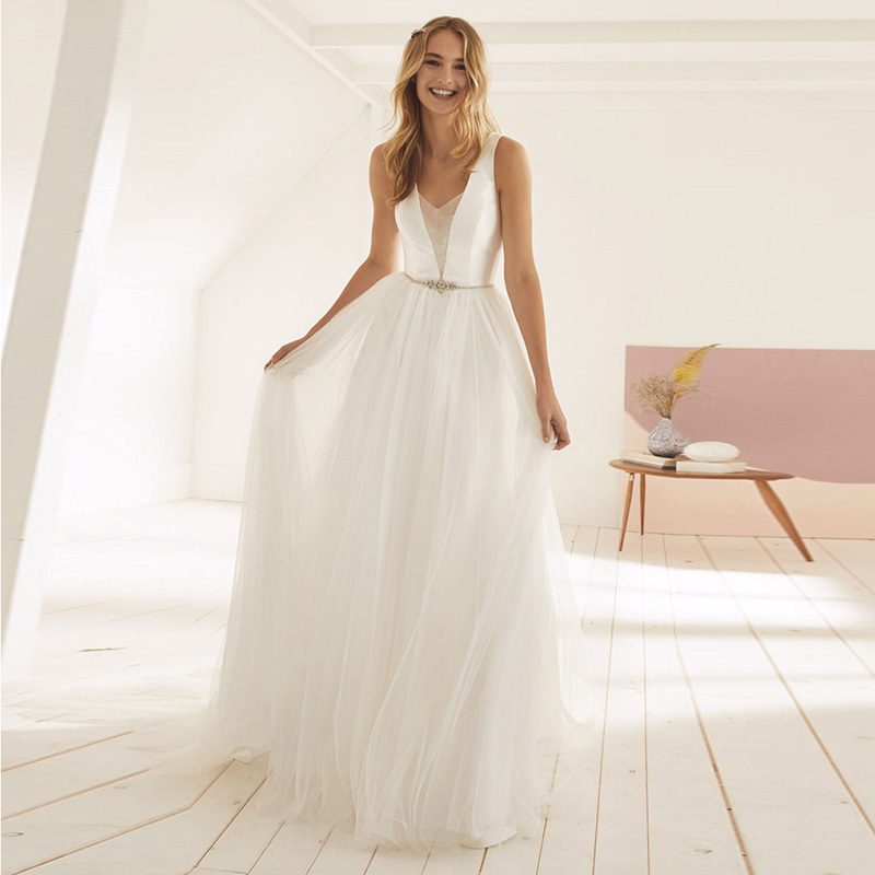 Eightale Beach Wedding Dresses Romatic V Neck A Line Tulle Beaded Sashes Open Back Bridal Dresses