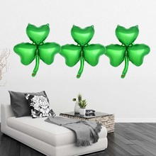 10pcs Aluminium Foil Balloons Clover Decorative Green Foil Balloon Party Supply Accessory Mylar Balloon for St. Patricks Day