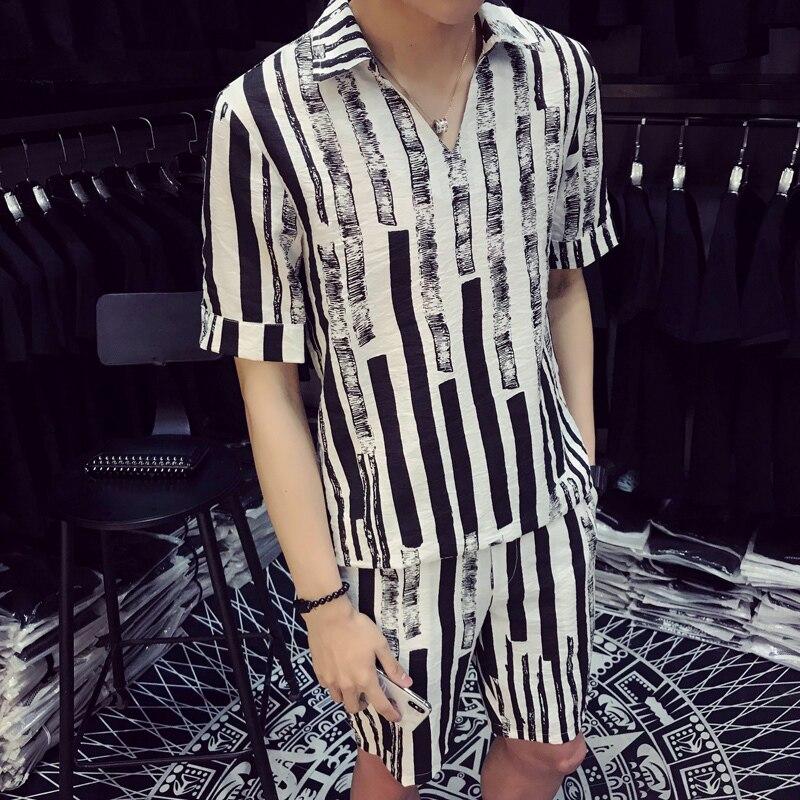 2018 Summer Fashion Unique Design Men Set Two Piece Pattern Stripe Men Set White Blacke Stripe V Shape Pullover Shirt And Short