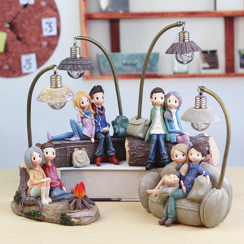 1PCS Couple Character Ornaments With LED Light Resin Crafts For Home Garden Decor Creative Boys And Girls Night Lamp